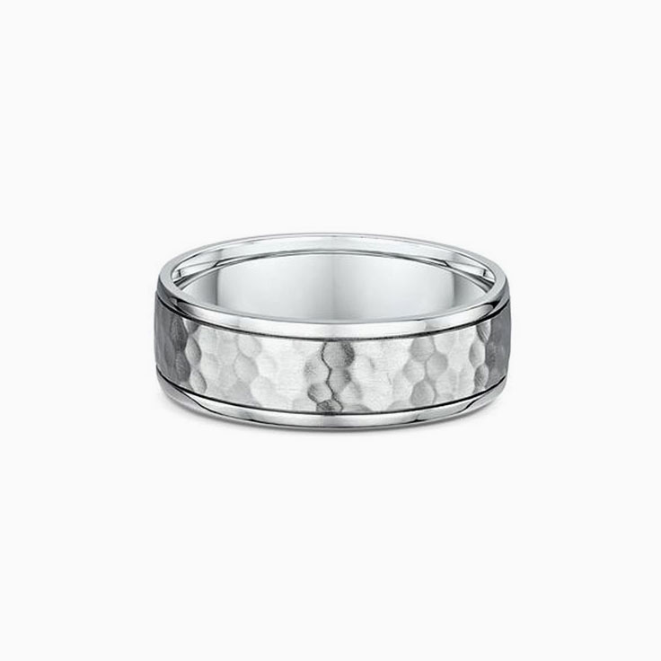 Centre patterned mens ring 874A00