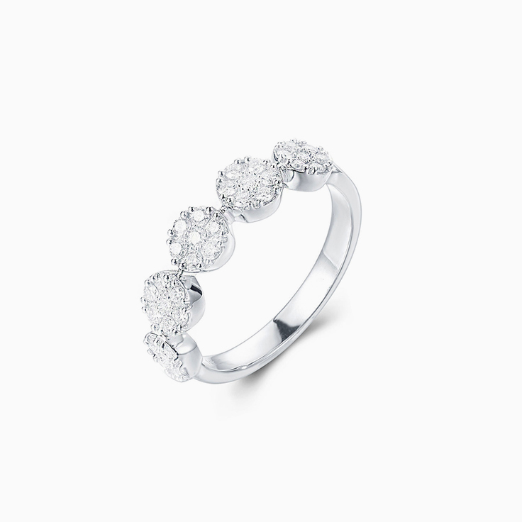 Five circle cluster diamond ring