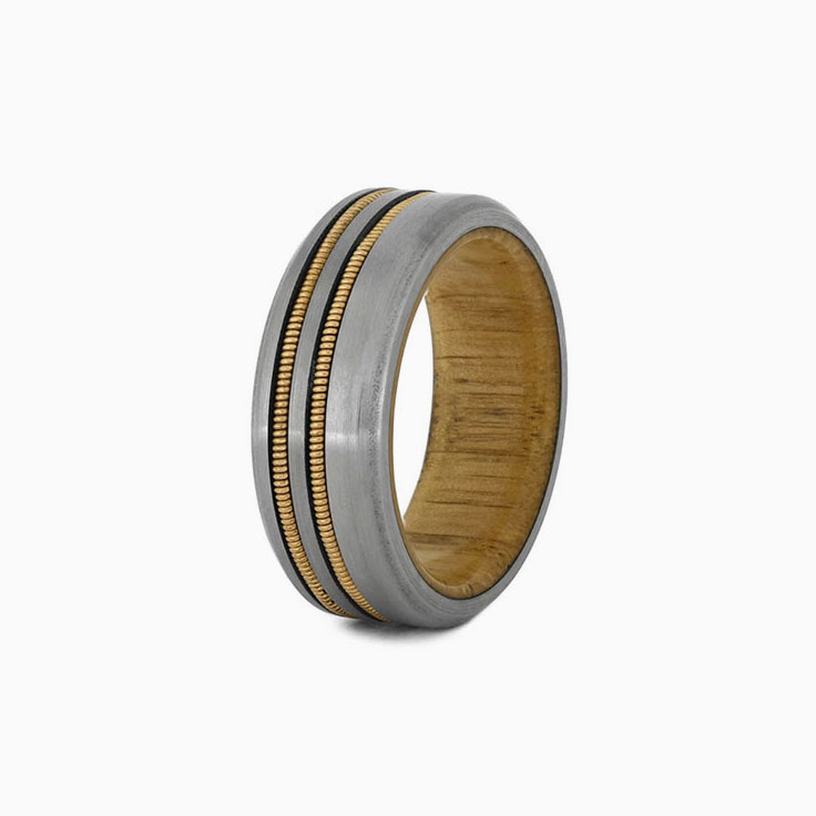 Guitar string with oak wood